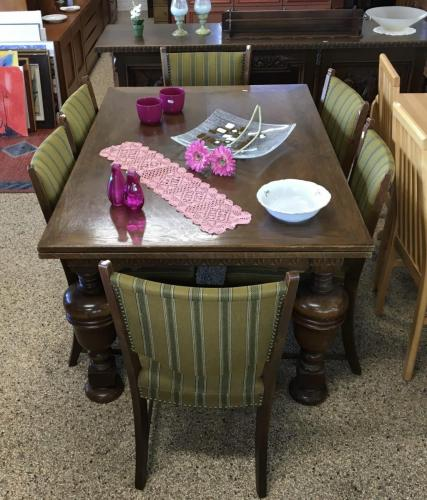 Bord + 6 stole
